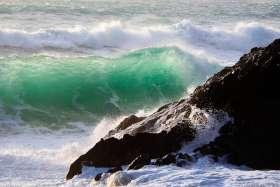 Bedruthan Steps, Breaking Wave