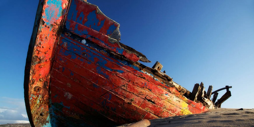 Red_Boat_Blue_Sky